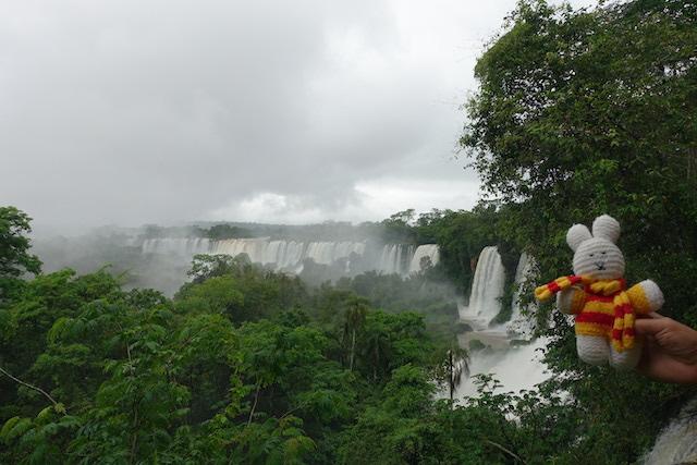 Ko Nientje bij de Iguazu waterval (Argentinië)