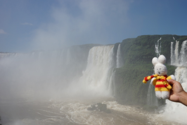 Ko Nientje bij de Iguazu waterval (Brazilië)