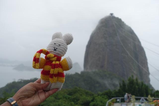 Ko Nientje bij de Suikerberg in Rio de Janeiro (Brazilië)