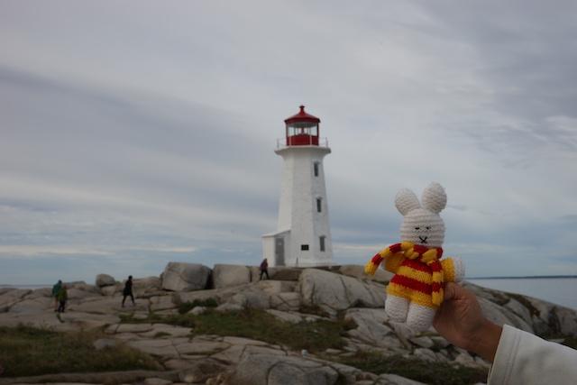 Ko Nientje op Peggys Cove (Canada)