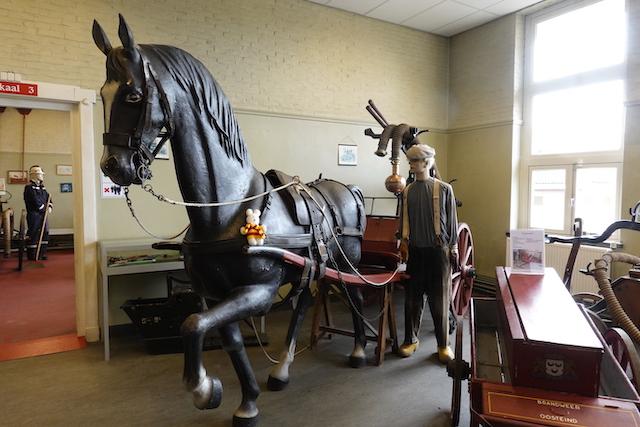 Ko Nientje in het Brandweermuseum in Borculo