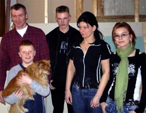 De familie Ossenblok woont in het oude huis van Mel Dale